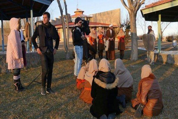 هفت خانی که کارگردان سربازخانه خانم ها پشت سر گذاشت